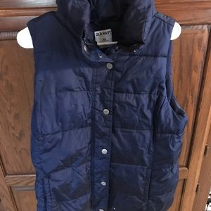 Navy puffer vest with snap buttons